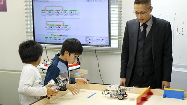 プログラムをロボットに転送してコースで実行