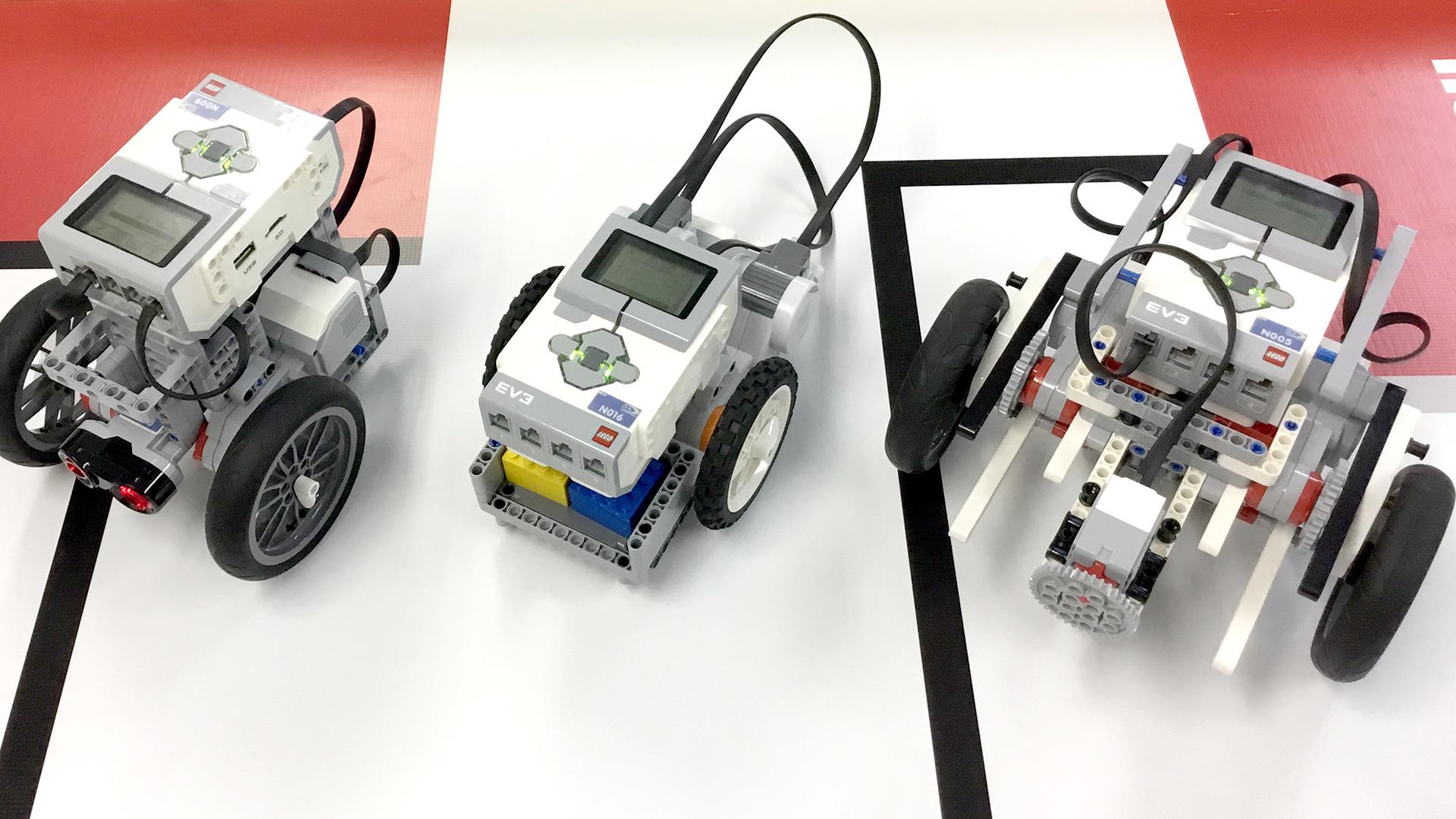 生徒が作ったそれぞれのEV3(ロボット)